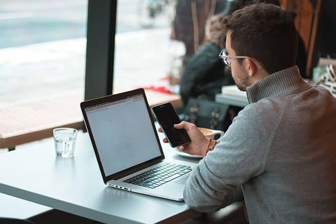 Should I be a Freelance Consultant or Start a Consulting Business