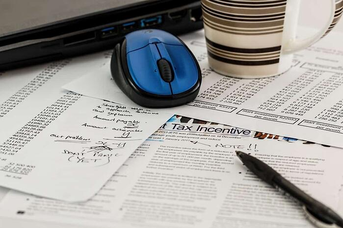 What do you get with Incfile's one hour free tax consultation?
