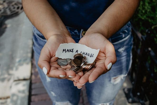 Differences Between a Nonprofit and a Charity