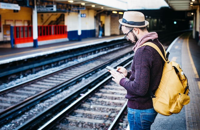 The World as Your Office: 8 Ways for Digital Nomads to Make Money